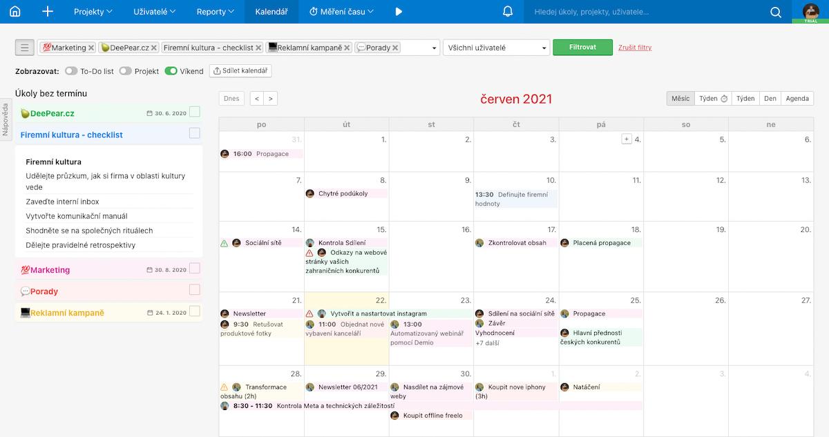 Ukázka nového kalendáře ve Freelu s možností nastavení barvy projektu.